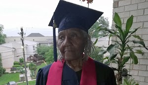 89-Year-Old Grandma With A Dozen of Children Graduates From University