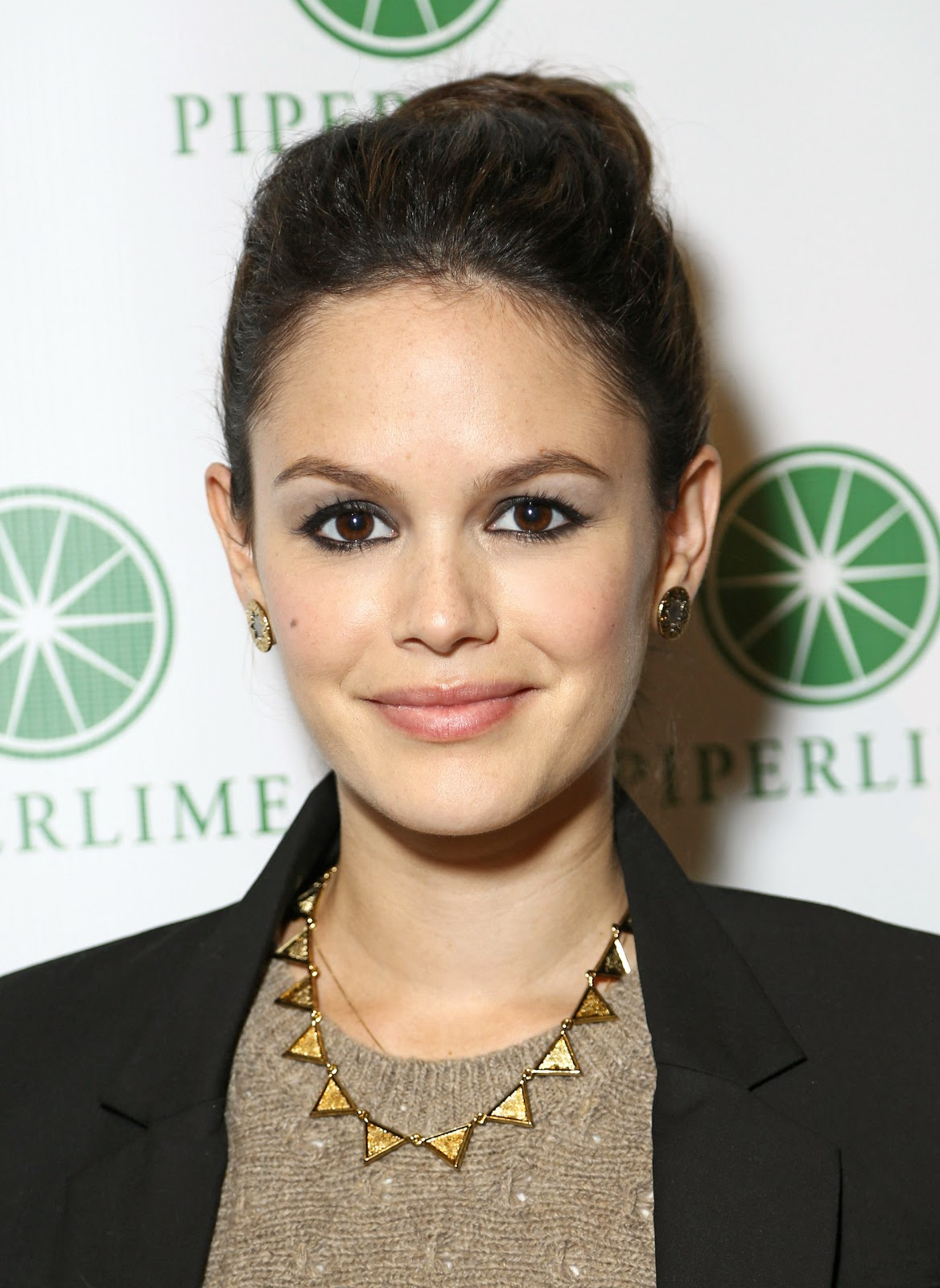 Two Days Ago At An Event In New York City Rachel Bilson Was Photographed Wearing A Pair Of House Harlow 1960 Tone Engraved Sunburst Stud Earrings And