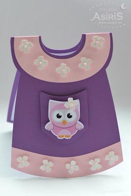 Meniu rochita mov cu borduri roz si flori albe, buzunar decorat cu bufnita roz decupata si pozitionata in relief
