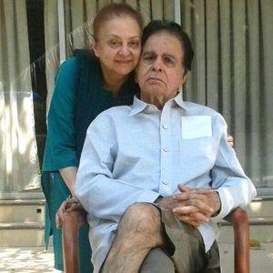 Saira+Banu+denies+Pneumonia+rumours+of+Dilip+Kumar%21.jpg