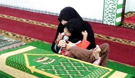 Meski Fisiknya Cacat, Gadis Kecil Ini Ternyata Mampu Menghafal Qur'an (Video)