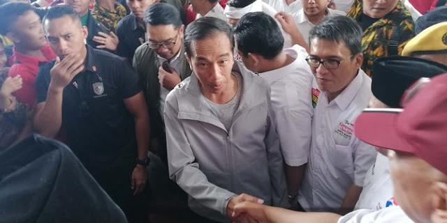 Jokowi ukur kemenangan di Jabar dari salaman, jika erat memilihnya, ringan tak pilih