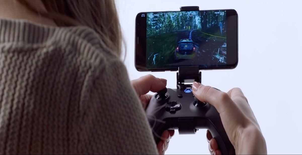 اخيرا مايكروسوفت تطلق أذرع تحكم بالألعاب للأجهزة المحمولة