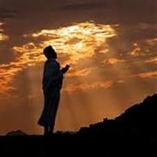 Penjelasan Lengkap Doa Qunut Nazilah, Bacaan dan Artinya