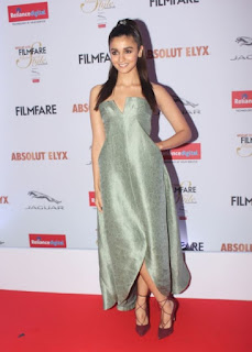 Alia Bhatt Stills At Filmfare Glamour and Style Awards (6)