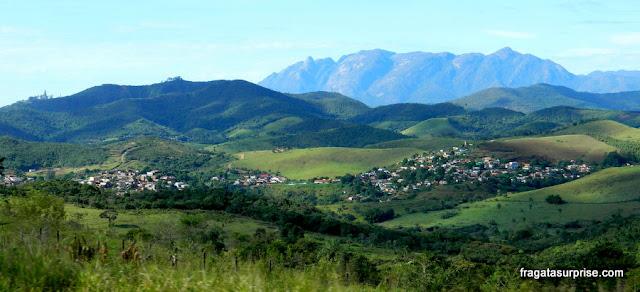 Caraça de trem: a paisagem da Serra do Espinhaço