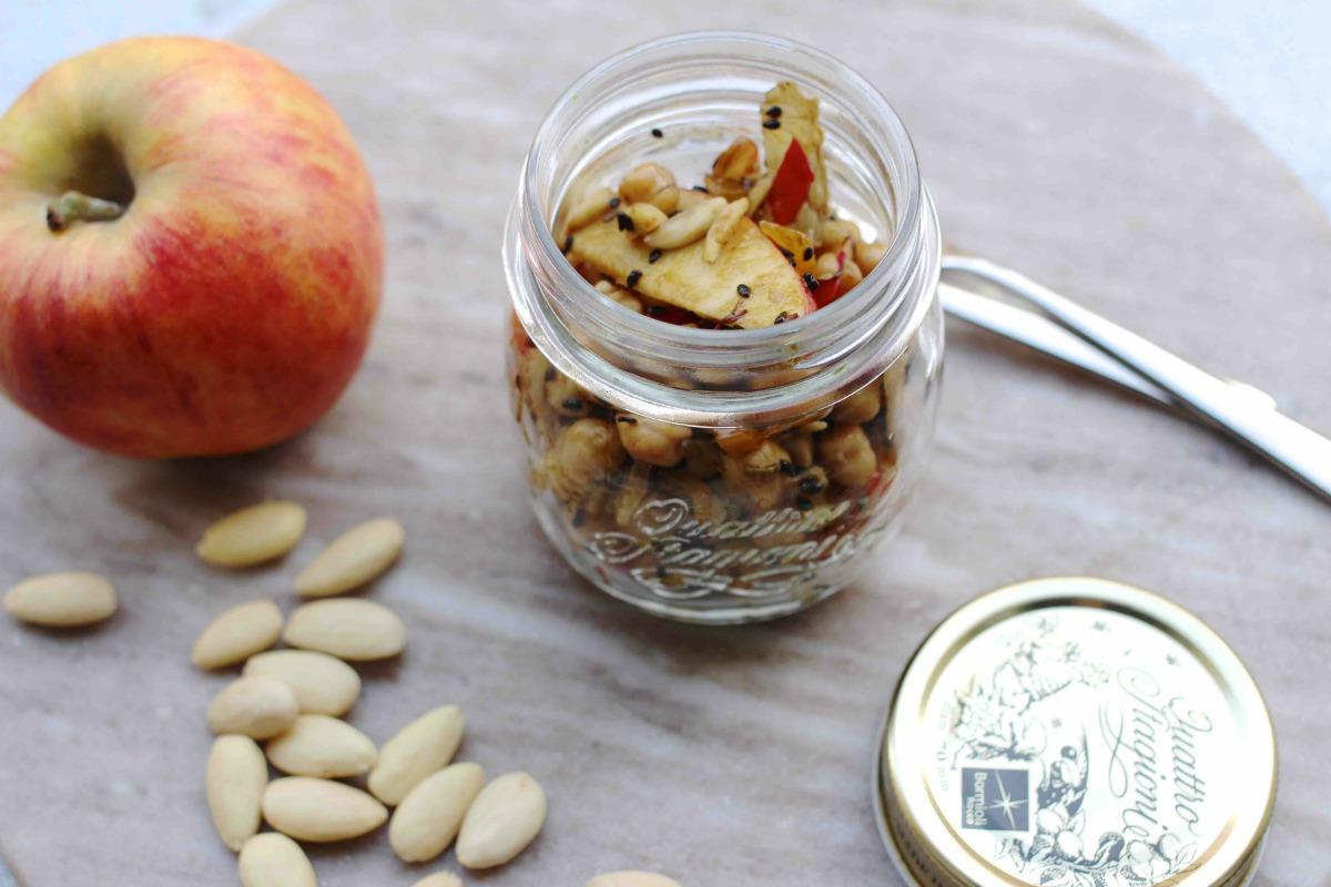 Kichererbsensalat mit Apfel