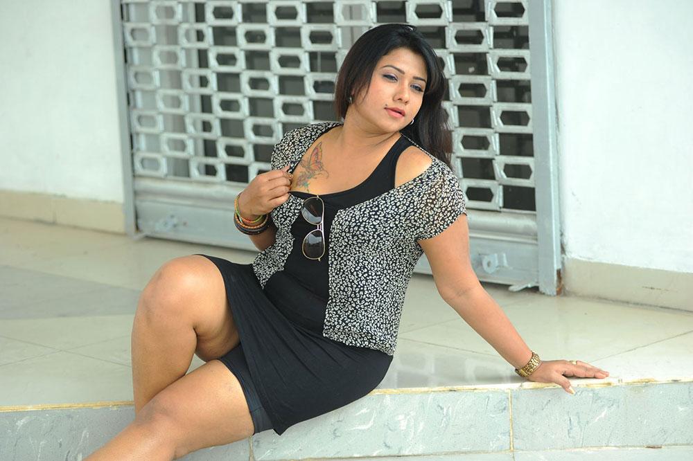 Babe Kabita Jyothi Latest Hot Photo Shoot Wallpaper Pics