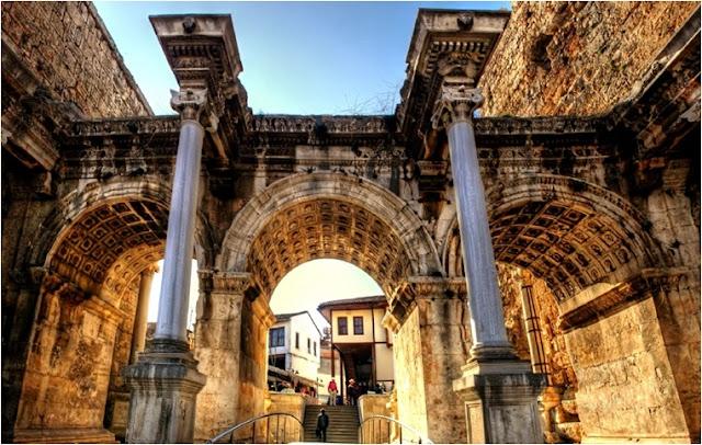 antalyanın tarihi mekanları