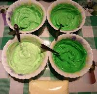 http://eda.parafraz.space/, Кремовые лепестки — простое украшение для торта, простое украшение для торта