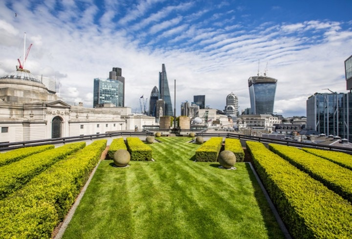 The World's 30 Best Rooftop Bars… Everyone Should Drink At #9 At Least Once. - The Coq d'Argent is a heated rooftop garden that serves all day French food in London, England.