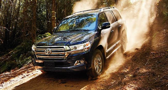 2017 Toyota Land Cruiser Review, Redesign