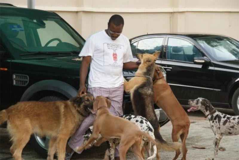 Move over Buhari! Alibaba names his dog OBJ, Obama, Mandela, etc