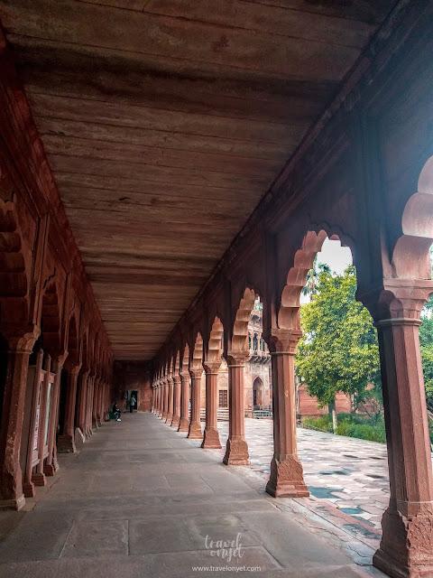 Travelonyet - 7 Fakta Susah Gampang Kunjungi Taj Mahal