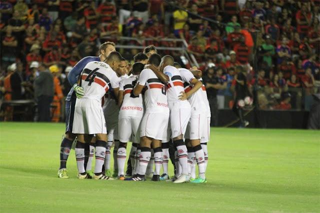 Técnico Júnior Rocha elogia postura do elenco e diz que time está com a 'cara do Santa Cruz'