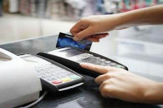 Η ΑΑΔΕ ζητά αποδείξεις του 2018 από τις τράπεζες για στοιχεία συναλλαγών με κάρτες