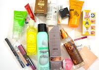 Castiga o cutie ticsita de produse cosmetice