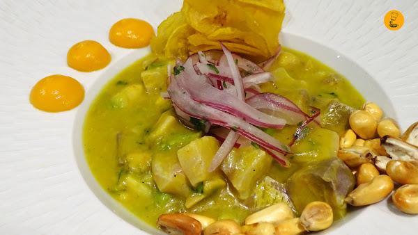 Ceviche limeño al ají amarillo en Latasia Casa de Comidas