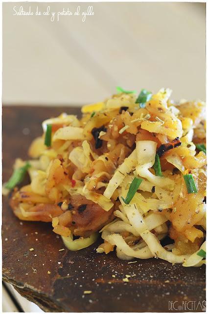 Salteado de col con patata al ajillo