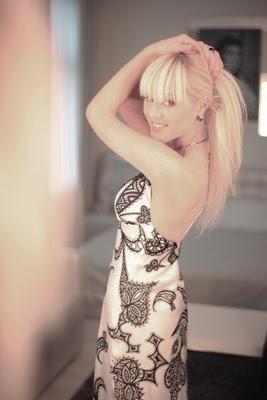 Frau aus der Ukraine blonde Haare