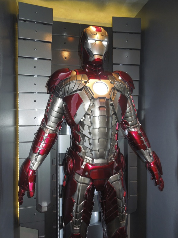 Iron Man MarkV briefcase armour