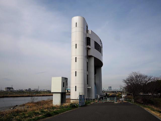 江戸川 柳原水門