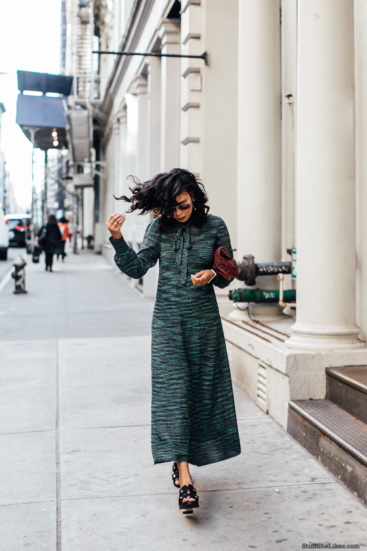 fashion blogger, top fashion blogger, best fashion bloggers, taye hansberry, Missoni dress, curly hair, bloggers with curly hair