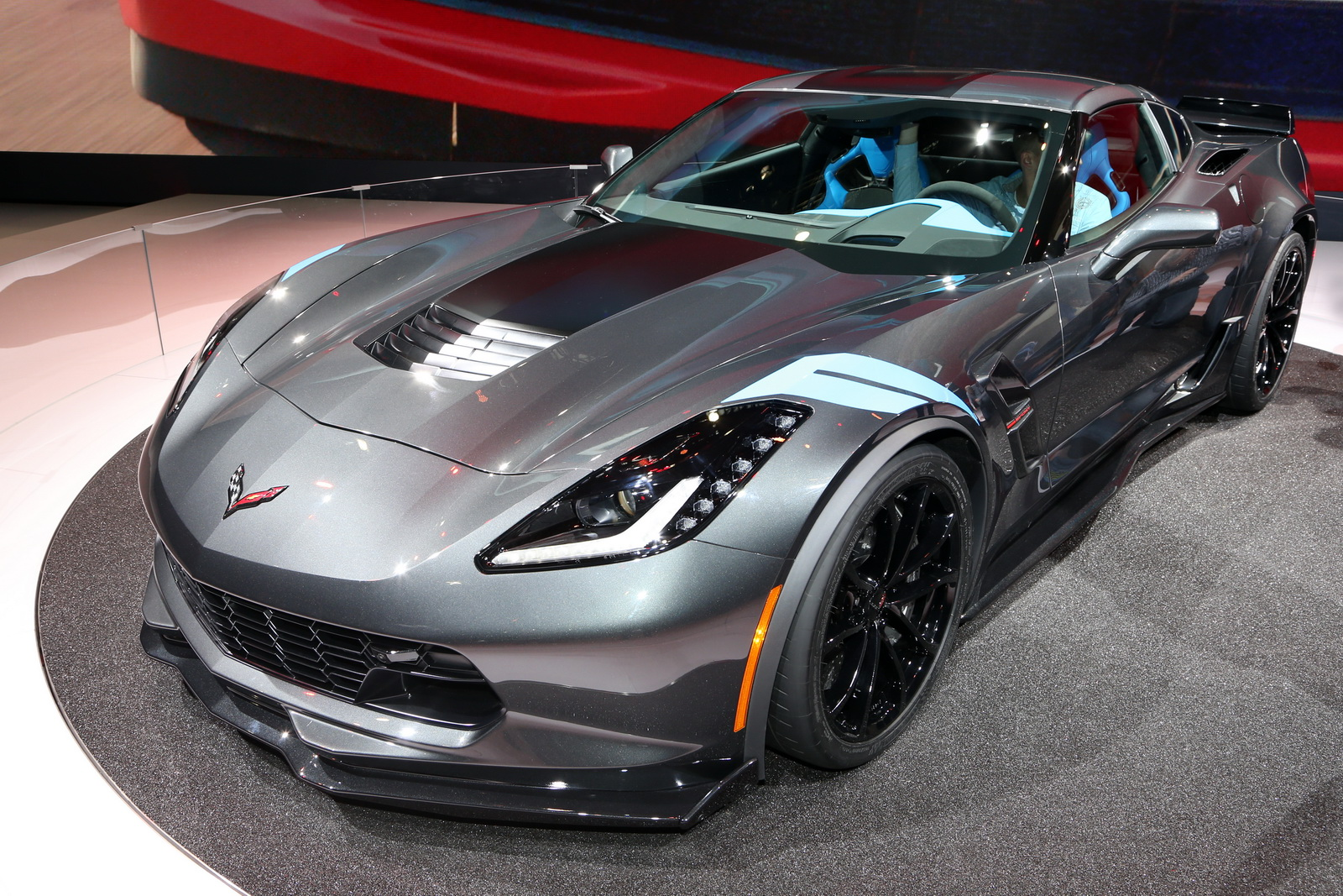 new 2017 corvette grand sport brings zo6 goodies to stingray for 66 445 carscoops. Black Bedroom Furniture Sets. Home Design Ideas