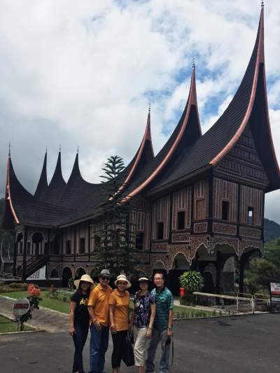 padang chat Padang besar (thai) railway station is a railway station located in padang besar  subdistrict, sadao district, songkhla it is a class 1 railway station located 978.