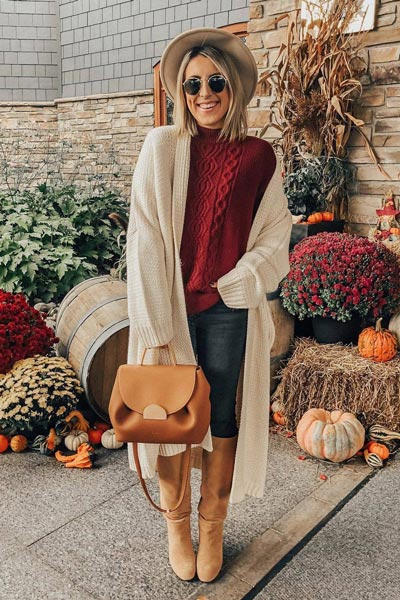 21 Fall Clothing Ideas That are Anything but Boring | Knit Pullover Sweater + Cardigan + PAIGE Skinny Jeans