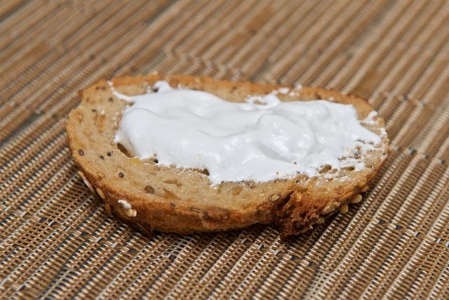 Marshmallow Fluff - Vanille - Vanilla - Durkee Mower - USA - Fluff - candy - Fluffernutter - dessert - food - cream - bread - pain