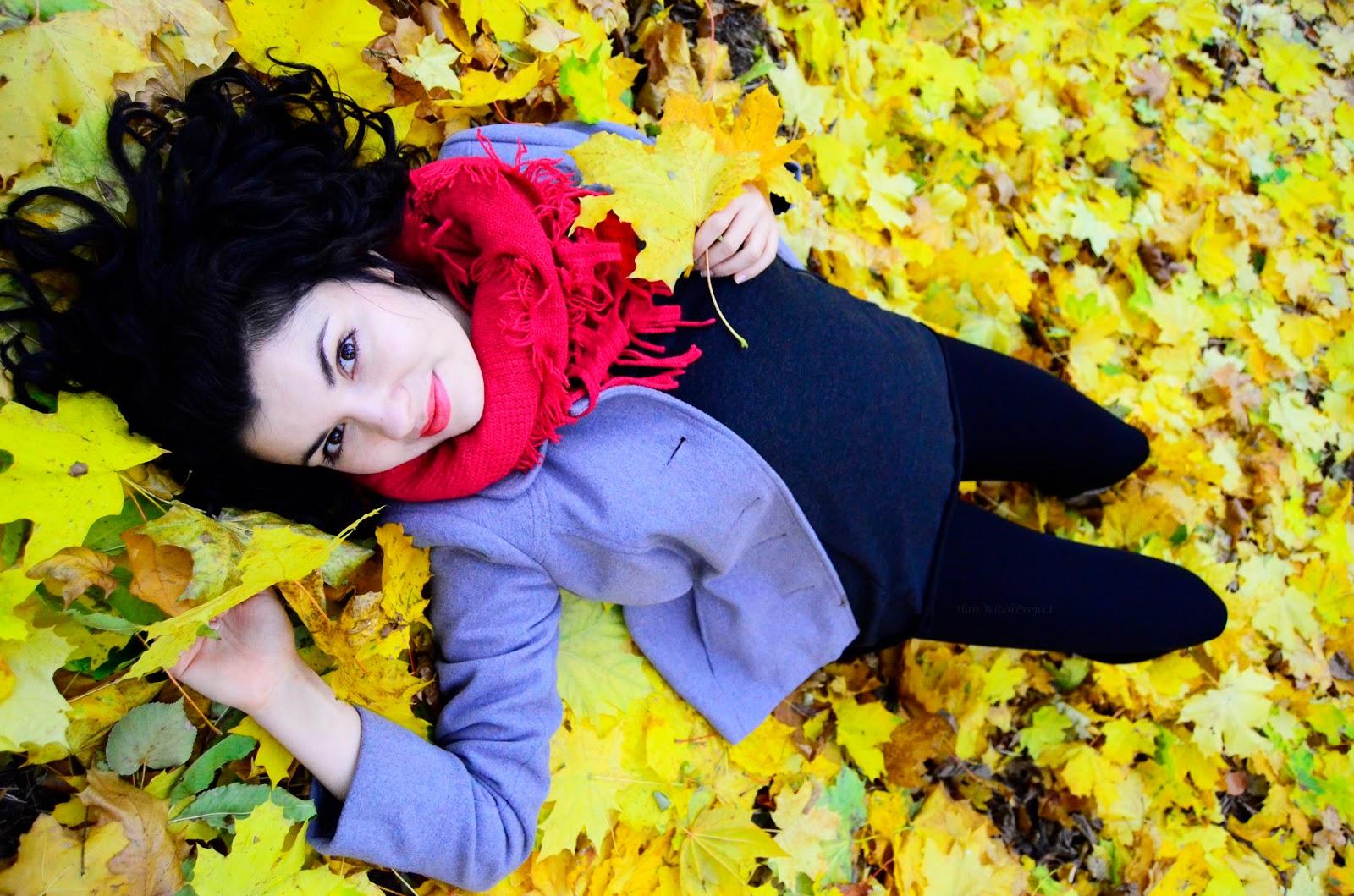 loki | włosy | kręcone | czarne | jesień | liście
