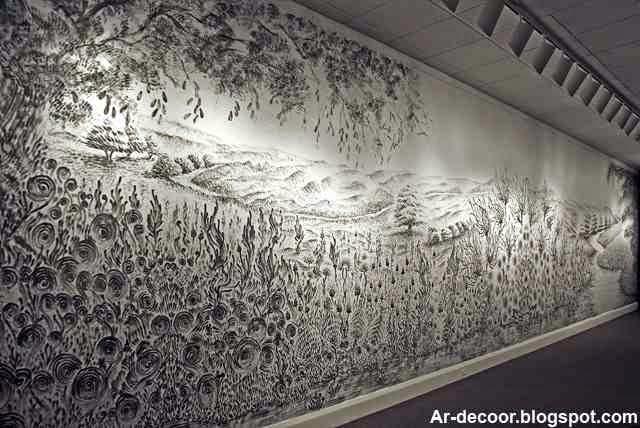 لوحات حائط رائعة مرسومة بالأصابع من غبار الفحم