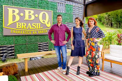 Carlos Bertolazzi, Chris Flores e Danielle Dahoui - Crédito: Gabriel Cardoso/SBT