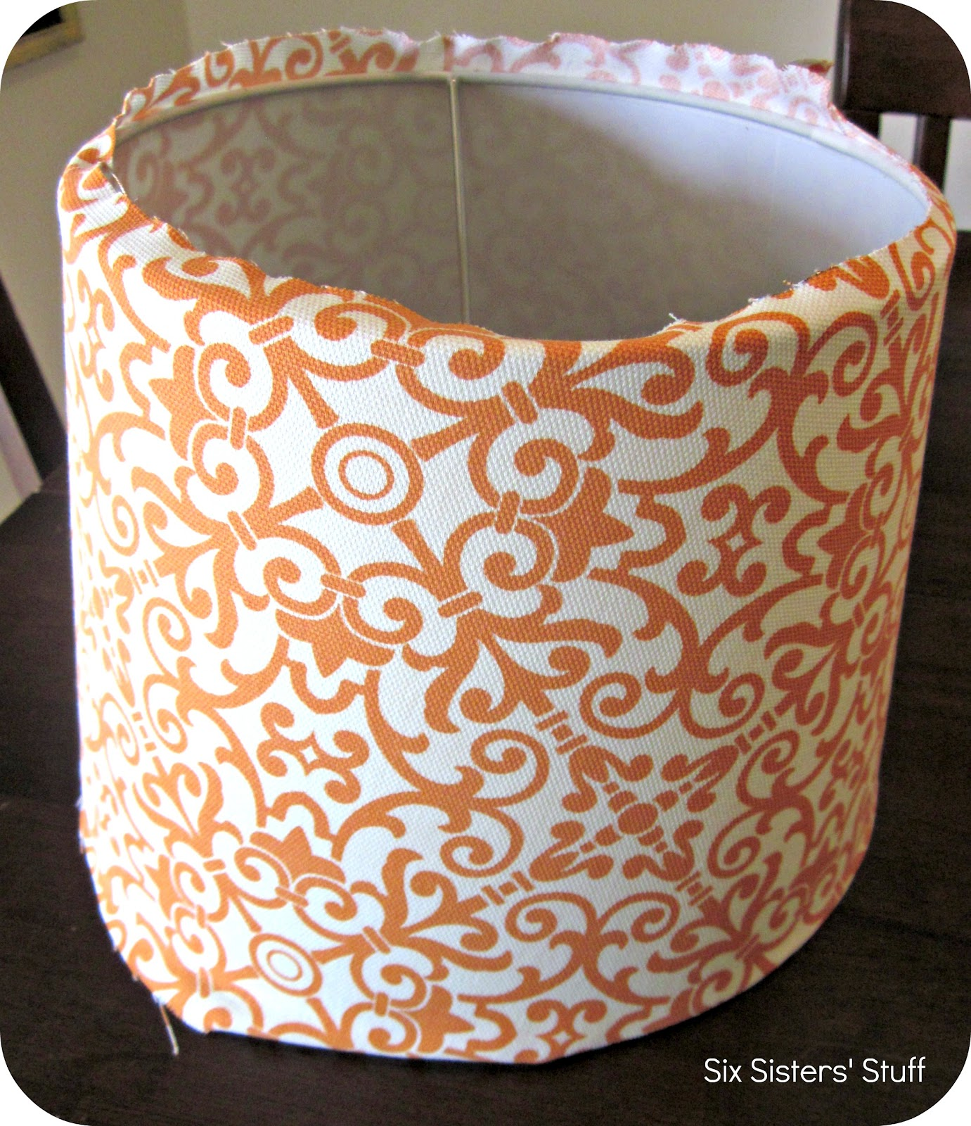 The Ladybug's Thoughts: DIY Fabric Lampshade