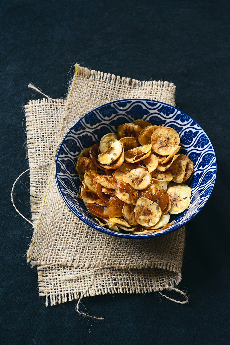 A delícia das delícias: aprenda a fazer chips de banana! | Casa&Cozinha