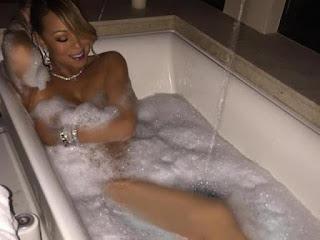 Foto Mariah Carey lagi Mandi