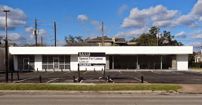 208 Westheimer retain space posted for lease in 2014 (sign)