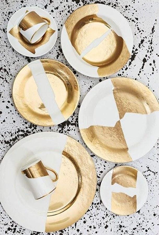 vajilla pintada con motivos dorados