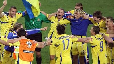 Ukraina merayakan kemenangan 16 besar pada debut 2006