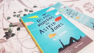 resenha Os dois mundos de Astrid Jones