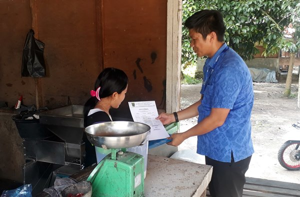 Mobil AJEP Padangpariaman Sempat Pecah Ban Antar 9 Dokumen Warga
