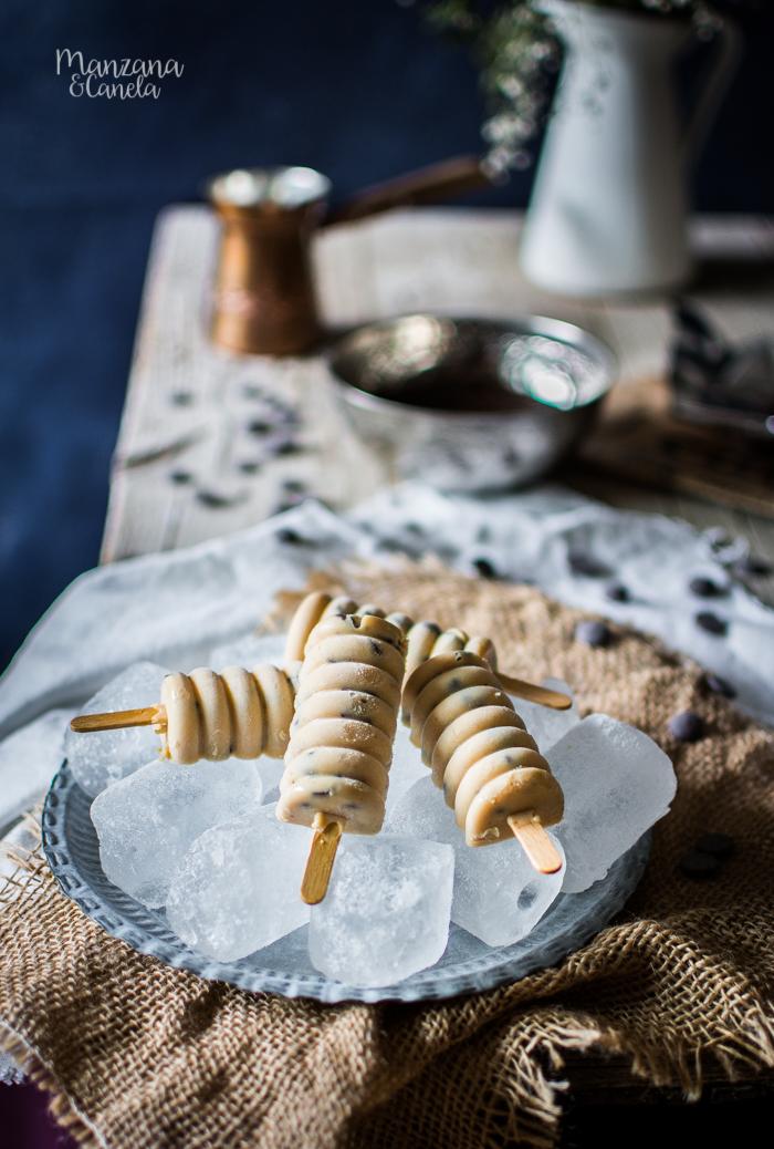Polos cremosos de mantequilla de cacahuete y chocolate