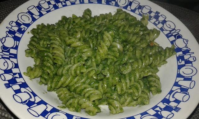 how to make italian pesto