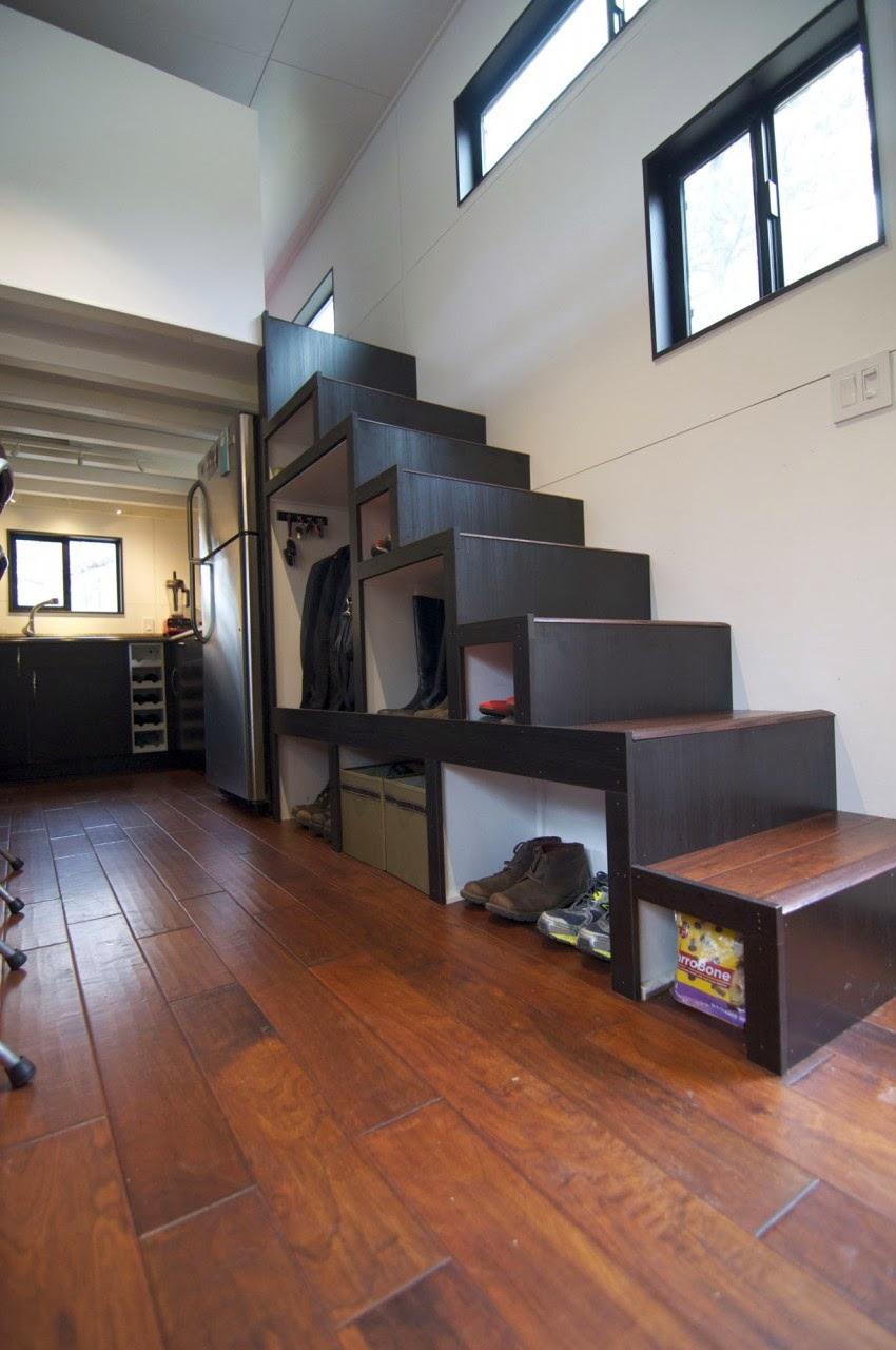 Desain Rumah Kayu Kecil Ini Tampak Mewah Dengan 2 Lantai Rumah