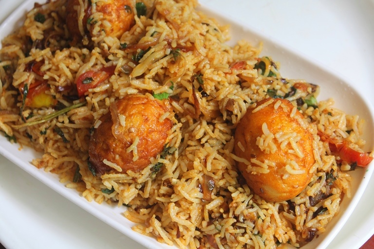 Street food style egg biryani recipe thattukada muttai biryani a quick fix biryani recipe which involves very less efforts but the taste is pretty amazing it can make a great lunch box recipe for your kids or you forumfinder Choice Image
