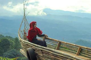 spot foto perahu di ranggon hills