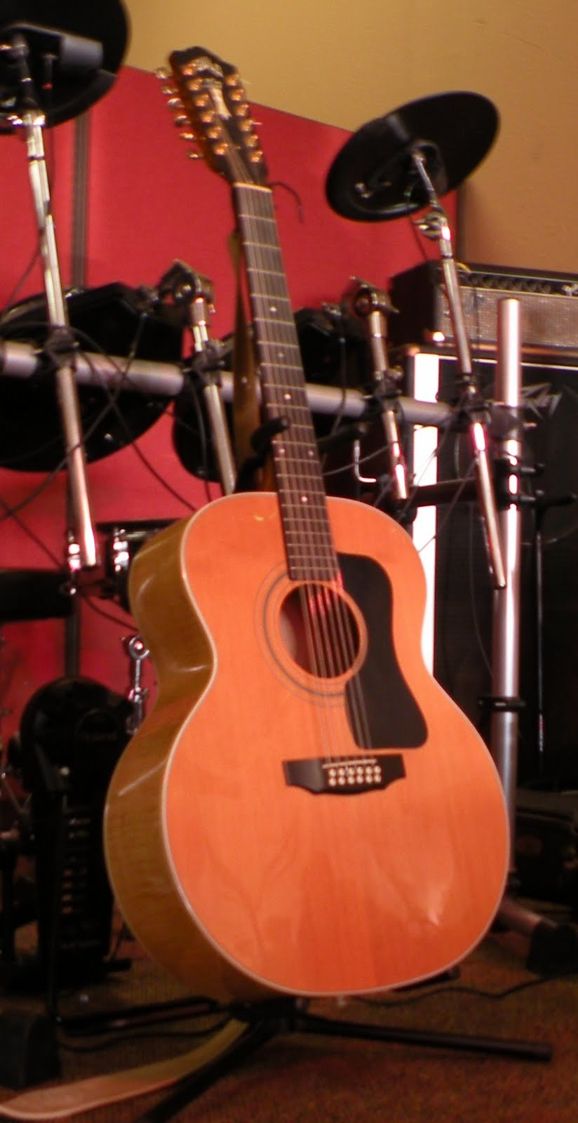 corelli music group selling my guild 12 string big body guitar. Black Bedroom Furniture Sets. Home Design Ideas