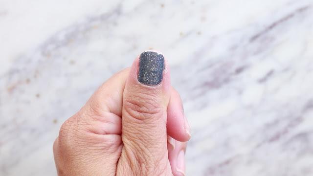How to apply sticker nail polish