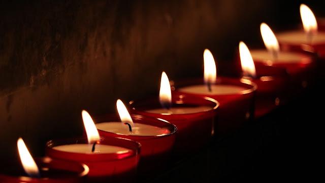 Bezpieczeństwo przy paleniu świec i wosków zapachowych
